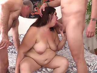 Cute BBW Danni Dawson Gets Double Teamed