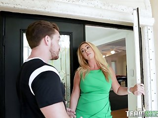 Hot-mad bootyful blonde MILF Keilani Kita wanna be treated with cunnilingus