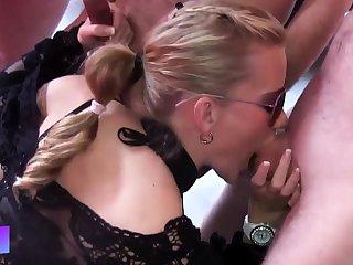 Deutsch blonde Creampie Schlampe Sperma voll