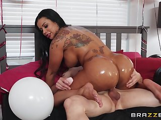 Big booty ebony mom rides cock and enjoys the best brithday gift