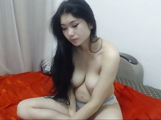 Chinese  showed her body while boyfriend away