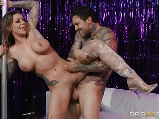 Cum Rain Or Shine - tattooed stripper Karma Rx dicked by Small Hands on stage